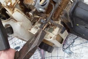 Снимаем провод остановки двигателя